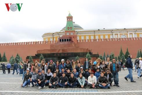 Hơn 10.000 lao động Việt Nam đang làm việc trong ngành dệt may tại Nga - Ảnh 3.