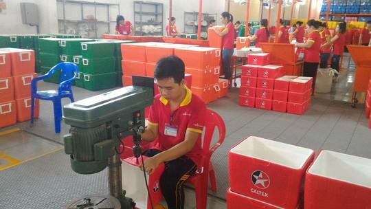 Nếu nhân dân tệ giảm thêm, hàng Trung Quốc sẽ tràn sang Việt Nam - Ảnh 1.