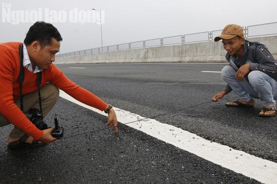 Cận cảnh hằn lún trên đường cao tốc Đà Nẵng – Quảng Ngãi - Ảnh 9.