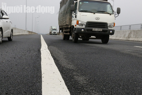 Cận cảnh hằn lún trên đường cao tốc Đà Nẵng – Quảng Ngãi - Ảnh 10.