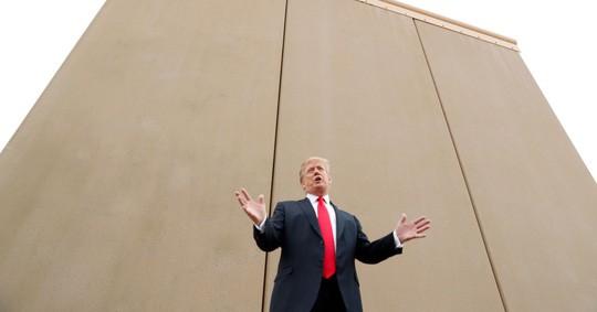 Ông Donald Trump: 5 tỉ USD xây tường biên giới hoặc đâyng cửa chính phủ - Ảnh 1.