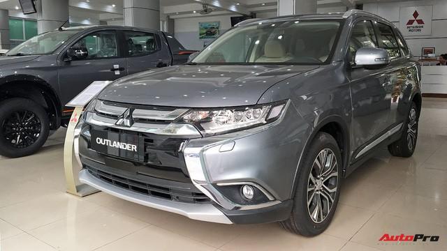 Ma trận giá xe năm 2018 tại Việt Nam: Xe tăng liên tiếp, xe giảm hơn nửa tỷ đồng - Ảnh 2.