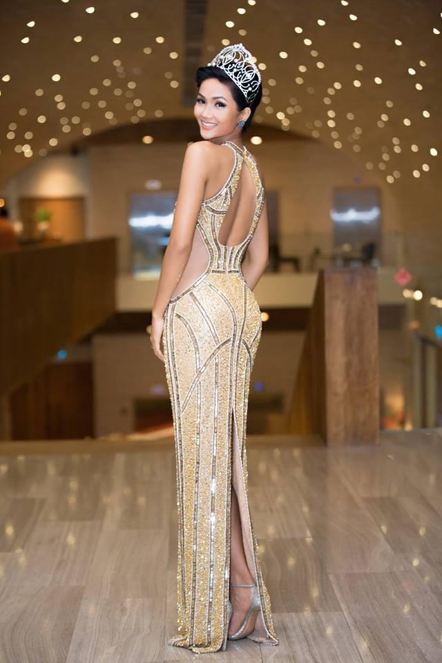 Những hình ảnh đẹp khó quên đưa HHen Niê tới kỳ tích top 5 Miss Universe: Từ bikini tới đầm sequin dạ hội, tất cả đều chinh phục trái tim người hâm mộ!  - Ảnh 2.