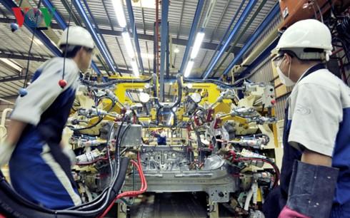 Forbes: Việt Nam hưởng lợi lớn từ cuộc chiến thương mại Mỹ-Trung - Ảnh 2.