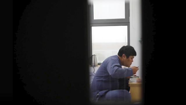 Cuộc sống quá căng thẳng, người trẻ Hàn Quốc sẵn sàng chi 90 USD để được... vào tù ở 1 ngày - Ảnh 14.