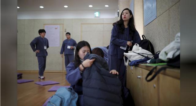 Cuộc sống quá căng thẳng, người trẻ Hàn Quốc sẵn sàng chi 90 USD để được... vào tù ở 1 ngày - Ảnh 4.