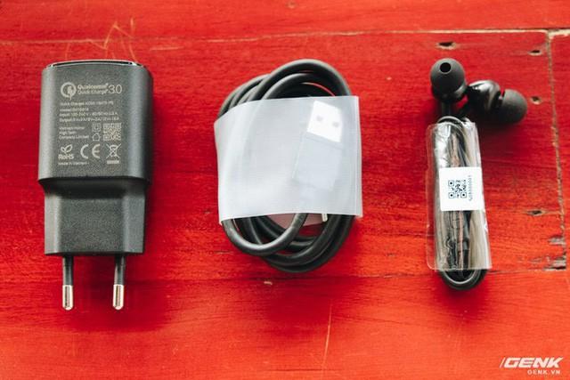 Mở hộp và trên tay Vsmart Active 1: Thiết kế đẹp, cấu hình mạnh, hậu mãi tốt, giá rẻ hơn cả điện thoại Trung Quốc - Ảnh 4.