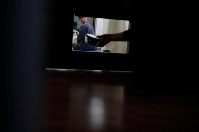 Cuộc sống quá căng thẳng, người trẻ Hàn Quốc sẵn sàng chi 90 USD để được... vào tù ở 1 ngày - Ảnh 6.