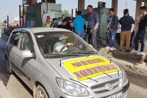 Nhiều lái xe phản đối thu phí trạm BOT Bắc Thăng Long – Nội Bài  - Ảnh 1.