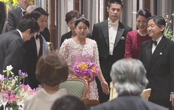 Điểm lại 3 đám cưới hoàng gia đình đám nhất 2018: Đám xa hoa đến mức lãng phí, đám giản dị kín đáo bất ngờ - Ảnh 15.
