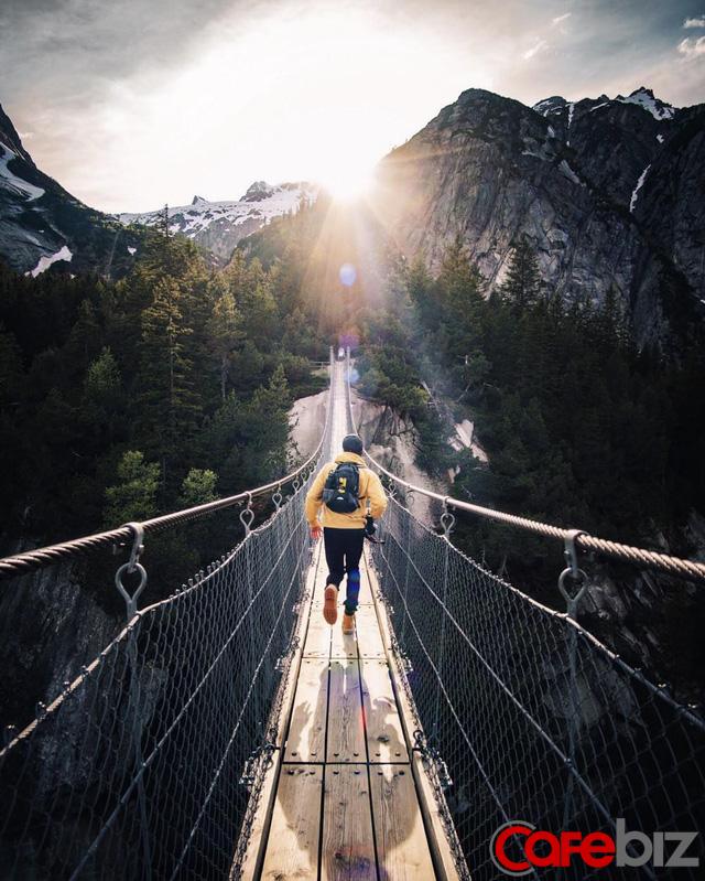 Trên đỉnh núi thì thường cô đơn: Nếu muốn thành công, hãy sống một cuộc sống phi thường thay vì bình thường, an yên - Ảnh 2.