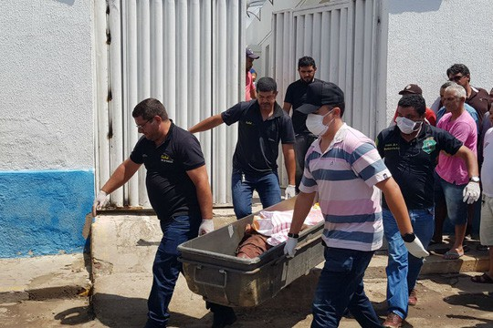 Brazil: Cướp ngân hàng như phim hành động, 12 người chết - Ảnh 1.