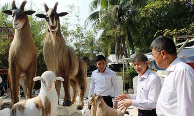 Nhìn lại hình ảnh những linh vật ở đường hoa Nguyễn Huệ trong 5 năm trở lại đây - Ảnh 5.