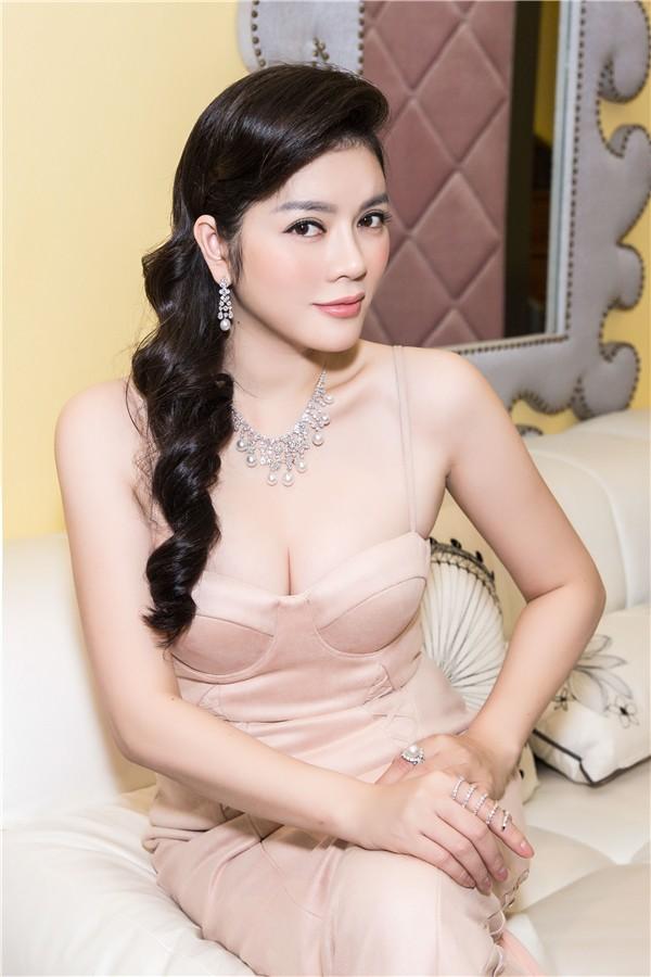 Lý Nhã Kỳ - doanh nhân tuổi Tuất xinh đẹp, giàu sang nhưng đầy bí ẩn của thương trường Việt - Ảnh 8.
