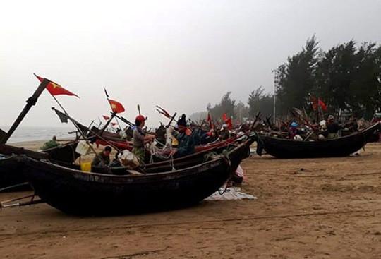 """Ngư dân Sầm Sơn trúng đậm """"lộc biển"""" ngày đầu năm mới - Ảnh 1."""
