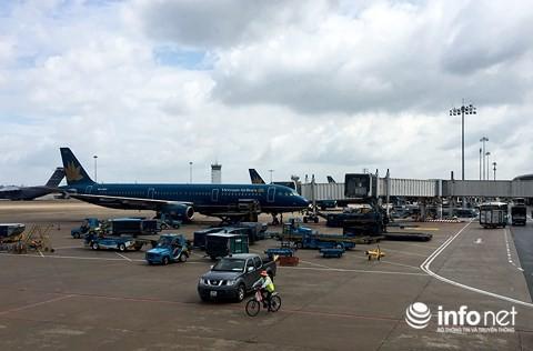 Cháy vé máy bay từ các tỉnh về TP.HCM đến hết mùng 10 Tết - Ảnh 1.