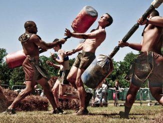 Quá trình huấn luyện chiến binh Sparta khắc nghiệt: xa cha mẹ từ khi 7 tuổi, chịu đói rét thường xuyên, 30 tuổi mới được lấy vợ - Ảnh 3.