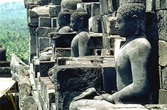 Ngôi đền Phật giáo lớn nhất thế giới: Nơi ngắm bình minh và hoàng hôn tuyệt đẹp! - Ảnh 6.