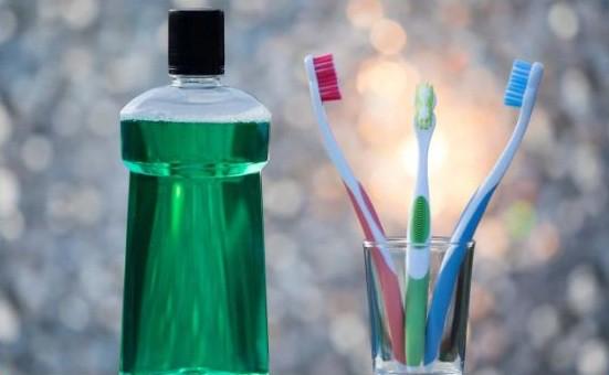 Những quan điểm sai lệch về việc đánh răng: Kiến thức về vệ sinh răng miệng của bạn liệu có hoàn toàn đúng? - Ảnh 2.