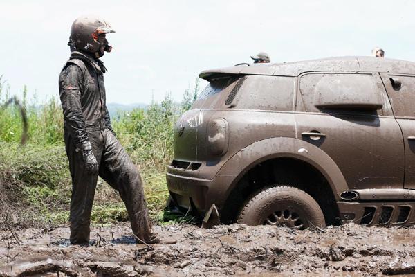 Khám phá giải đua xe địa hình xuyên sa mạc khốc liệt nhất hành tinh Dakar Rally - Ảnh 1.