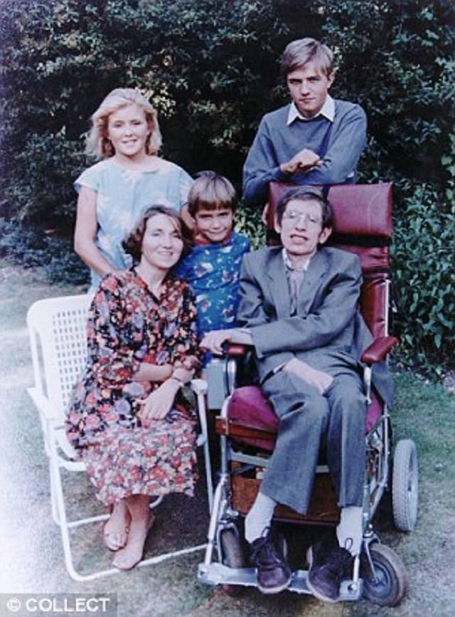 Thiên tài vật lý Stephen Hawking - người cha truyền cảm hứng và chưa bao giờ áp đặt con - Ảnh 2.