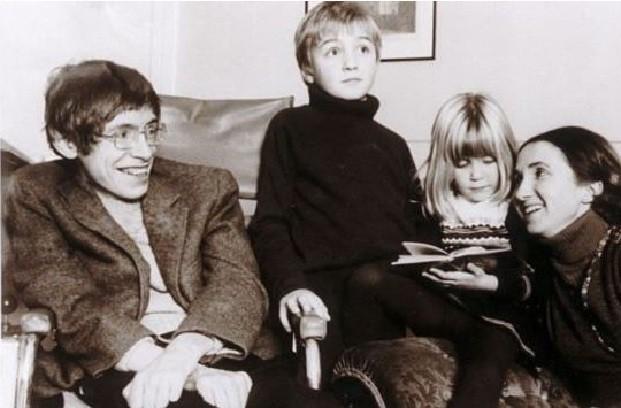 Thiên tài vật lý Stephen Hawking - người cha truyền cảm hứng và chưa bao giờ áp đặt con - Ảnh 3.