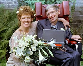 Cuộc đời sóng gió của Stephen Hawking: Bộ óc thiên tài trong thân hình teo tóp, hạnh phúc mỉm cười dưới vực thẳm bi quan - Ảnh 9.