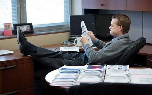 Nhận được lời khuyên đọc 500 trang sách mỗi ngày của tỷ phú Warren Buffett, người đàn ông này đã thành công như thế nào? - Ảnh 1.