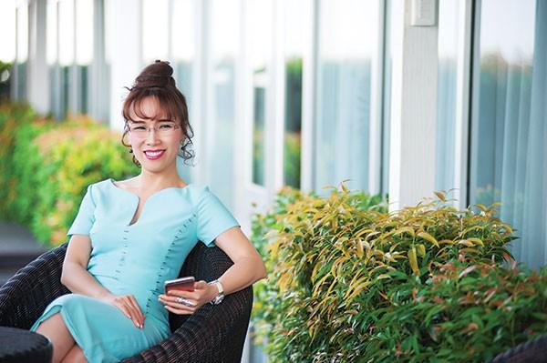 Những nữ tướng quyền lực trên sàn chứng khoán Việt - Ảnh 4.