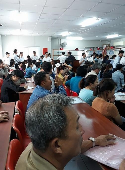 Quận 9 (TP.HCM): Người dân đổ xô đi đăng ký hồ sơ hành chính liên quan về đất đai - Ảnh 6.