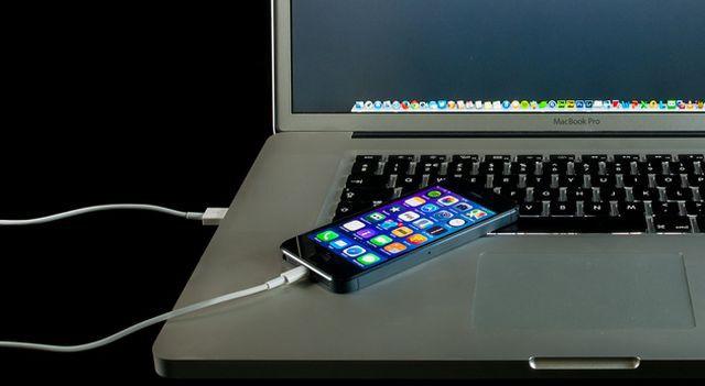 Sạc điện thoại qua đêm, tắt ứng dụng ngầm, bật wifi và ti tỉ vấn đề khi dùng smartphone - Ảnh 3.