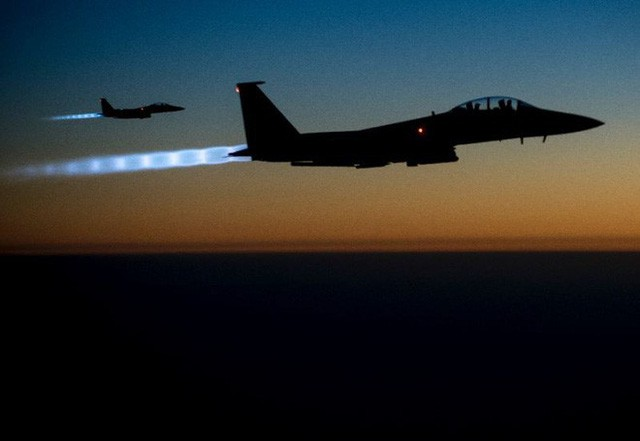 Những giới hạn mong manh nào của luật pháp cho phép ông Trump tấn công Syria? - Ảnh 1.