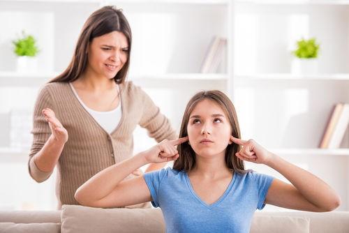 10 sai lầm các bậc cha mẹ nhất định phải tránh nếu muốn nuôi con khỏe mạnh, hạnh phúc - Ảnh 4.