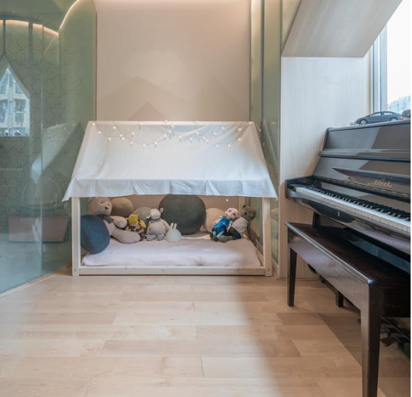 Thiết kế phá cách, ấn tượng của căn hộ cao tầng hơn 100m2 cho gia đình có con nhỏ - Ảnh 8.