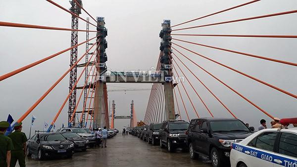 Hợp long cầu Bạch Đằng, đánh thức nhiều vùng đất đang ngủ yên - Ảnh 1.
