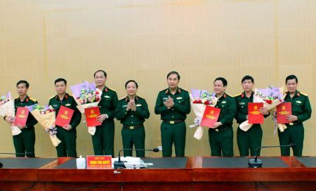 Triển khai quyết định nhân sự của Bộ Quốc phòng - Ảnh 1.