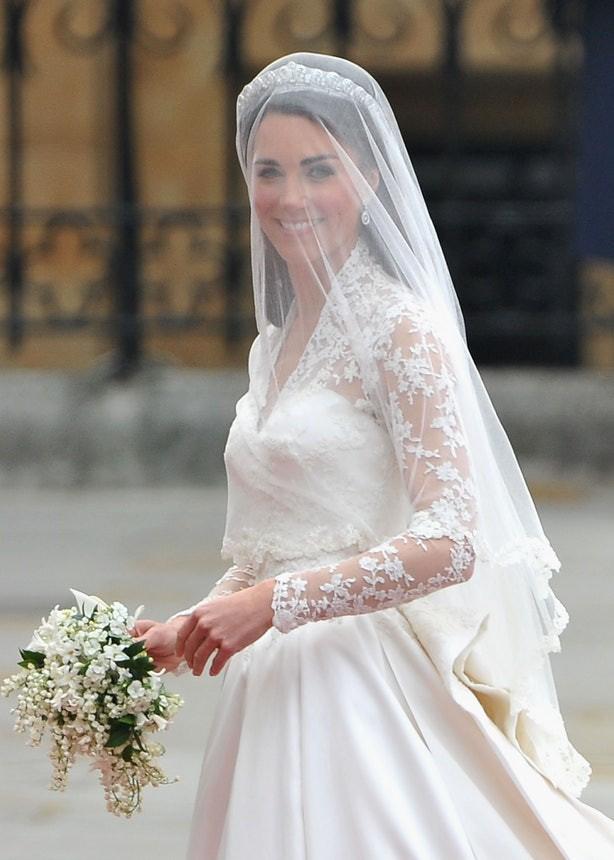 Sắp tổ chức hôn lễ, Meghan Markle chắc chắn phải nhớ 10 nguyên tắc trang phục này trong đám cưới Hoàng gia - Ảnh 5.