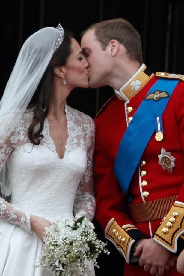 Sắp tổ chức hôn lễ, Meghan Markle chắc chắn phải nhớ 10 nguyên tắc trang phục này trong đám cưới Hoàng gia - Ảnh 6.