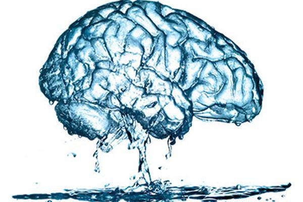 Uống nước khi đứng, sai lầm hại sức khỏe nhiều người chưa biết - Ảnh 4.