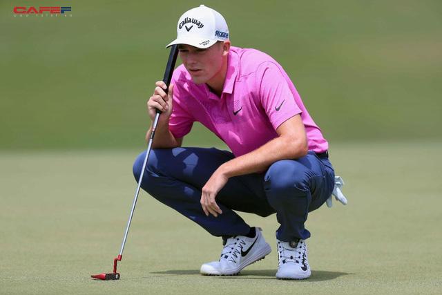 Golfer trẻ gây ấn tượng mạnh, vươn lên chia sẻ ngôi đầu Byron Nelson - Ảnh 2.