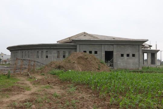 Cận cảnh hoang tàn dự án bệnh viện 700 giường đầu tư 850 tỉ đồng - Ảnh 16.