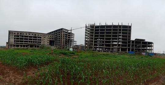 Cận cảnh hoang tàn dự án bệnh viện 700 giường đầu tư 850 tỉ đồng - Ảnh 20.