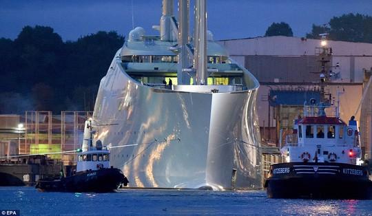 Chiêm ngưỡng siêu du thuyền lớn nhất thế giới của tỷ phú Nga: Công trình vĩ đại nhất khiến bất kỳ ai cũng phải choáng ngợp - Ảnh 3.