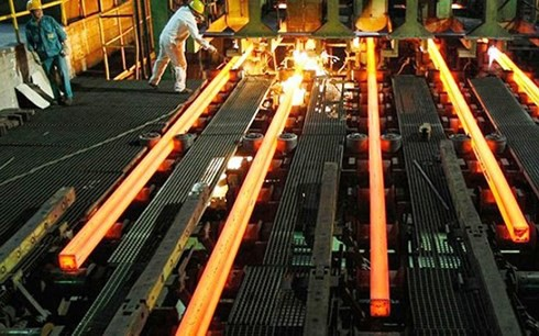 Việt Nam sẽ loại bỏ dần các nhà máy gang và cán thép quy mô nhỏ - Ảnh 1.