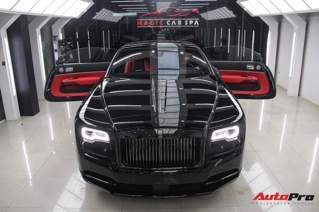 Bộ ba Rolls-Royce bản Black Badge với 3 phong cách nội thất độc đáo tại Việt Nam - Ảnh 17.