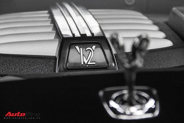 Bộ ba Rolls-Royce bản Black Badge với 3 phong cách nội thất độc đáo tại Việt Nam - Ảnh 19.