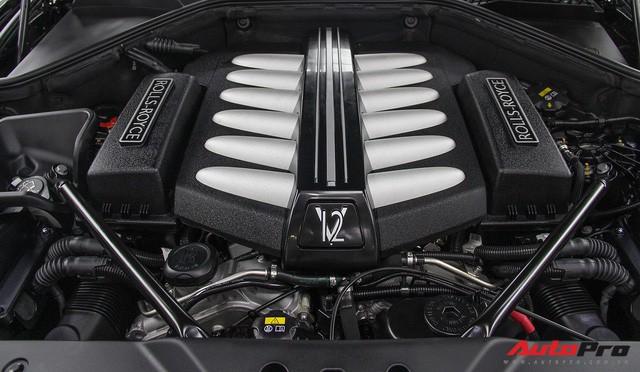Bộ ba Rolls-Royce bản Black Badge với 3 phong cách nội thất độc đáo tại Việt Nam - Ảnh 20.