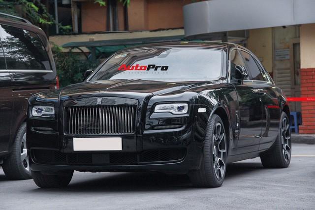 Bộ ba Rolls-Royce bản Black Badge với 3 phong cách nội thất độc đáo tại Việt Nam - Ảnh 4.