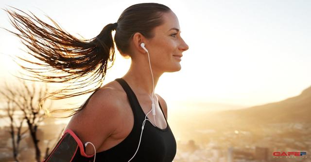 Không cần mướt mồ hôi ở phòng tập gym, chỉ cần 10 phút tập thể dục mỗi ngày cũng giúp bạn hạnh phúc hơn - Ảnh 1.
