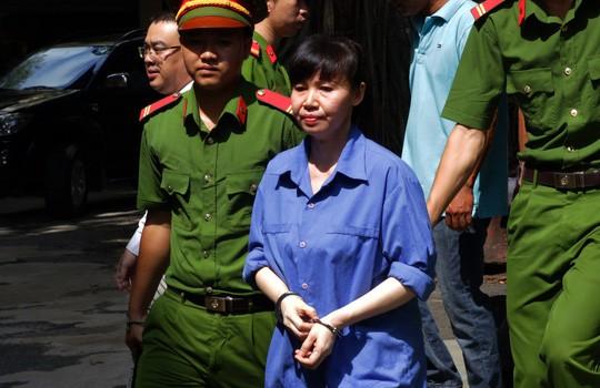 Thợ hớt tóc mượn hàng trăm tỉ của nữ đại gia Sài Gòn - Ảnh 1.